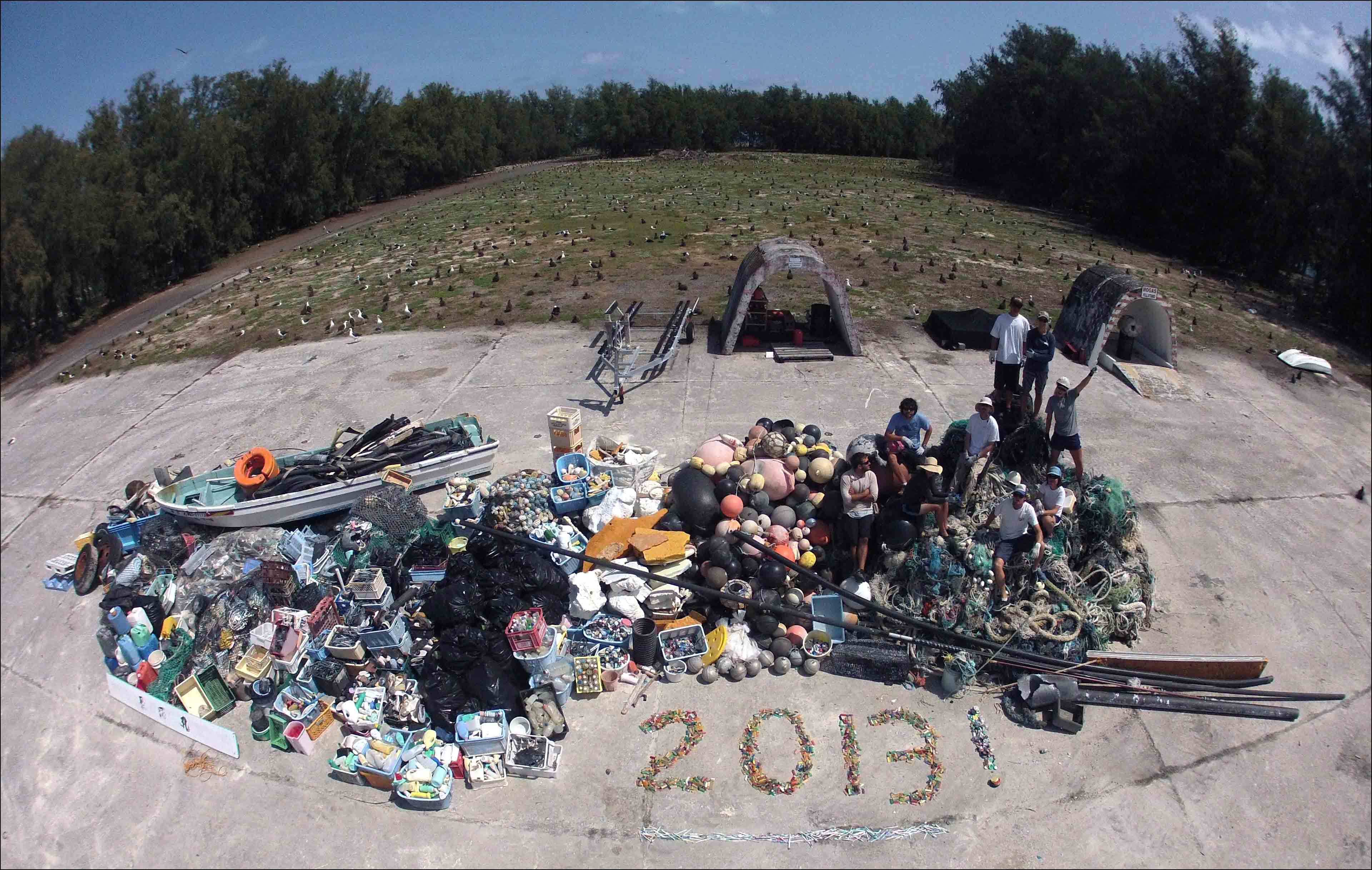 The Final Count Team Removes 14 Metric Tons Of Marine Debris From Midway Atoll Noaa Pacific