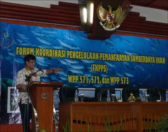 "Dr. Toni Ruchimat, Director of the Directorate of Fisheries Resources of Indonesia's Ministry of Marine Affairs and Fisheries, speaks at the workshop in Bandung, Indonesia, for members of the Regional Forums for Coordination of Management and Utilization of Fish Resources for WPPs 571, 572, and 573 (a fisheries management area is known as a ""WPP"" in Indonesia). NOAA photo by Megan Moews-Asher"