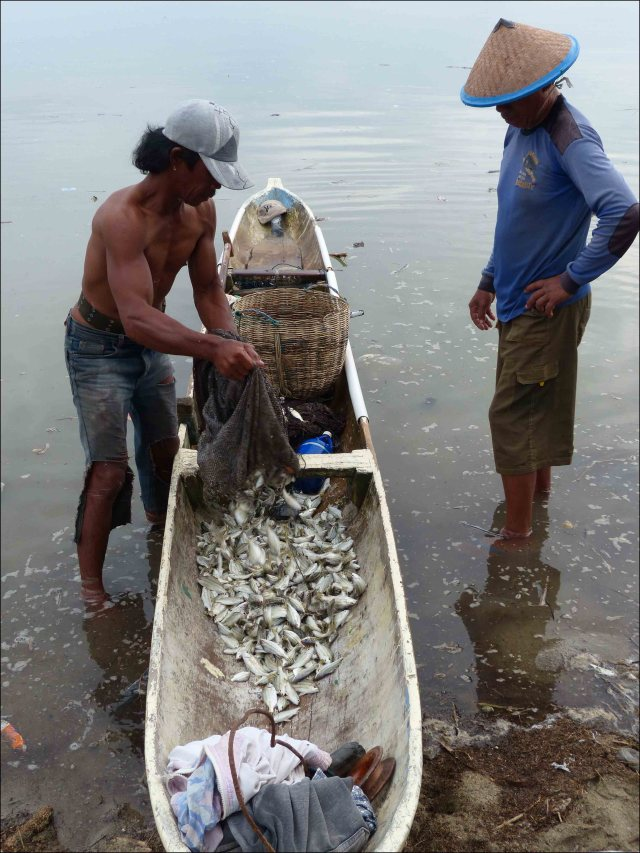 These photos capture ordinary people in Palu, Indonesia, who depend on fish for their food security and livelihoods. The close link of the people of Indonesia to their marine resources is one of the most important reasons why NOAA is doing work in the region. NOAA photos by Rusty Brainard