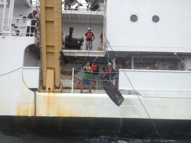 OES crew retrieve traps after a soak time of 12-24 hours