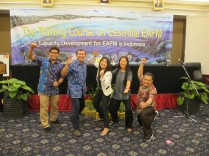 The KKP organizer, trainers, BOBLME, and NOAA staff celebrate the group's accomplishments at the workshop in Padang.