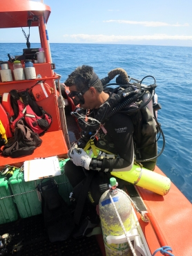 Ray Boland meticulously preps his Inspiration rebreather prior to conducting an SPC survey.